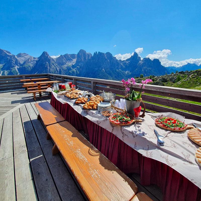 Rifugio-Tognola-Dolomiti-terrazza-panoramica